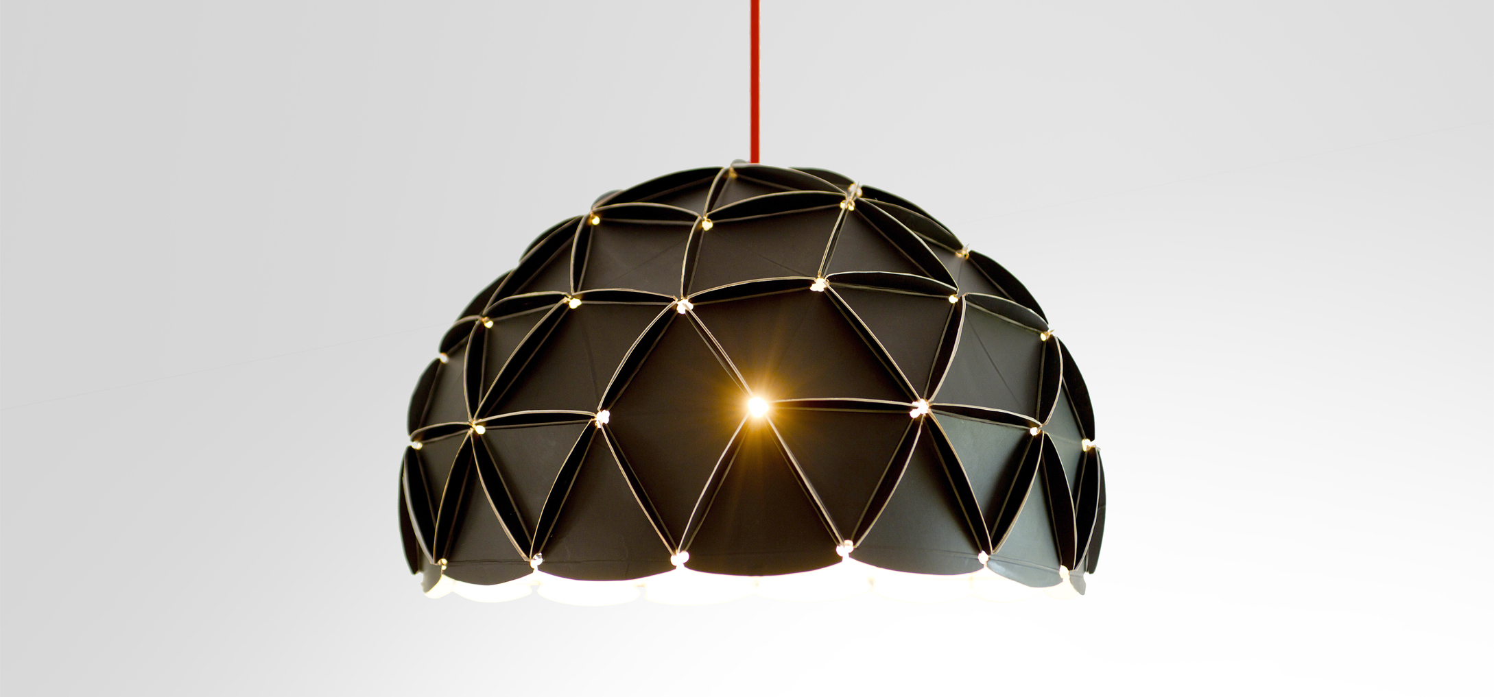 unistudio_merci_lampe_recyclee_design_image-de-communication_01