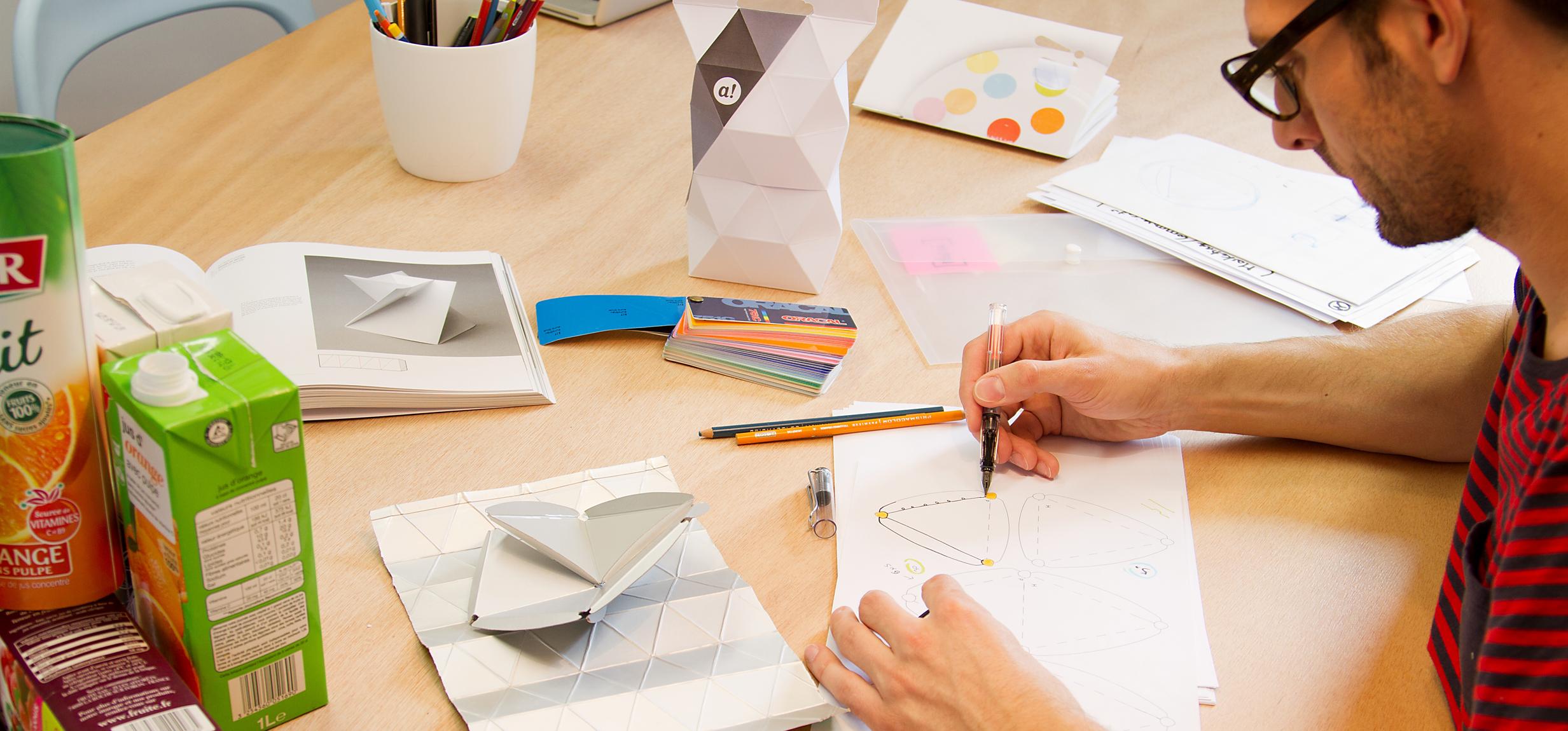 unistudio_merci_lampe_recyclee_design_sketch_créativité_02