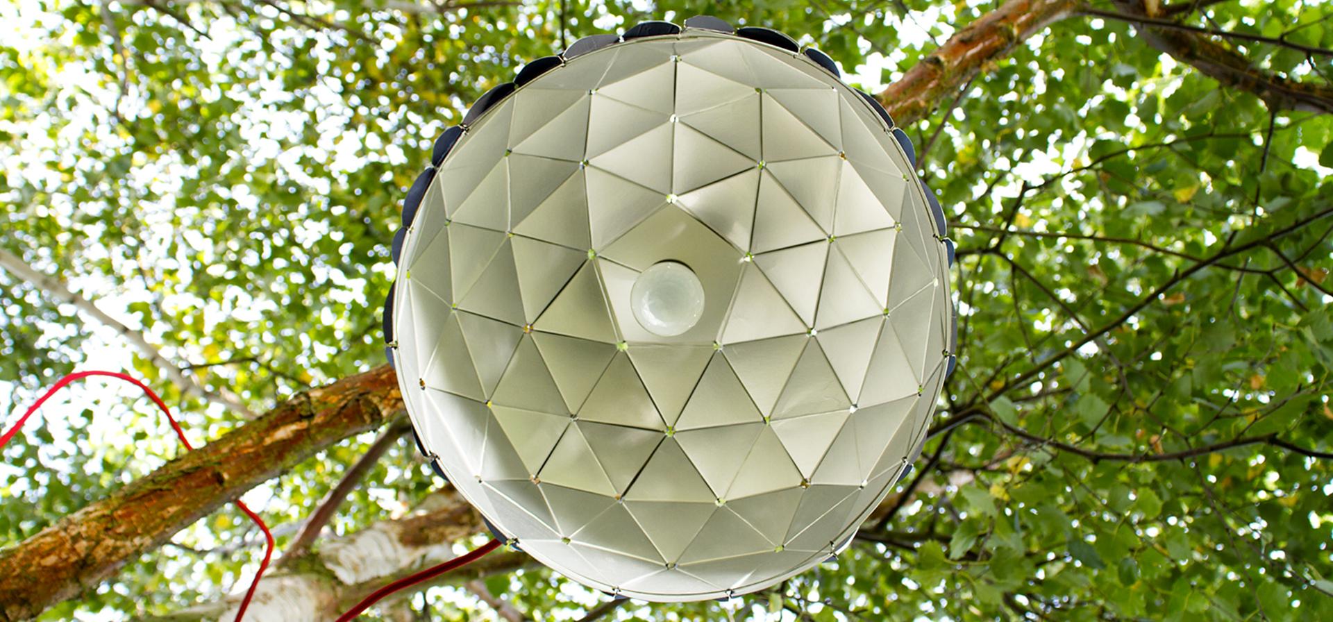 unistudio merci design de la lampe de demain avec les mat riaux d 39 hier. Black Bedroom Furniture Sets. Home Design Ideas