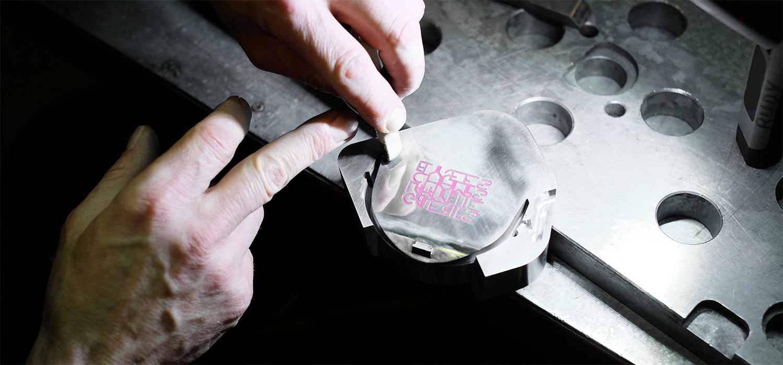 Unistudio_galeries_lafayette_cintre_connecté_champs_élysées_agence_lille_design_créativité_production.jpg